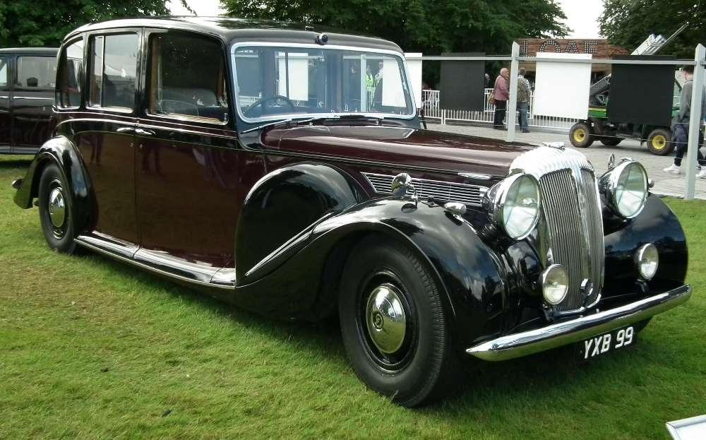 1947_daimler_de36_limousine_landaulette